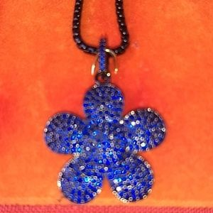 Jewelry - Sapphire flower necklace.